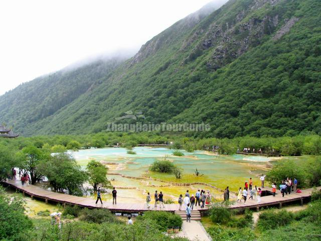 Huanglong Charming Multi-Colored Pond