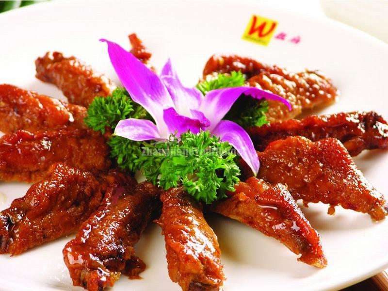 Hunan Cuisine-Chicken Wings with Hot Sauce