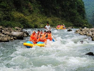 Zhangjiajie Mengdong River White Water Rafting