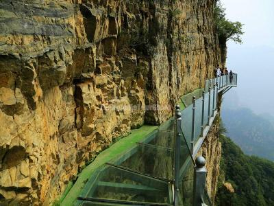 The Glass Walkway in Zhangjiajie Tianmen Mountain