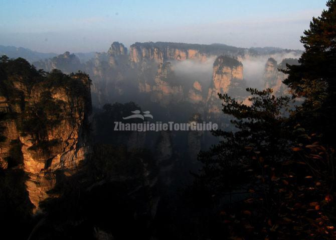 Zhangjiajie Yaozi (sparrow hawk) Village
